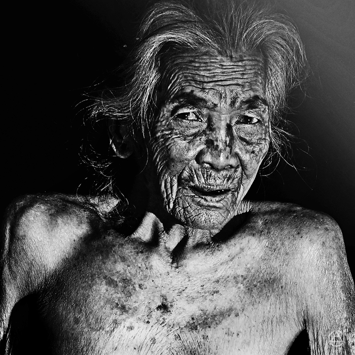 http://www.apelphotography.com/wp-content/uploads/2012/07/The-Art-of-Old-Face-Apel-Photography-Bali-Photographers-4.jpg