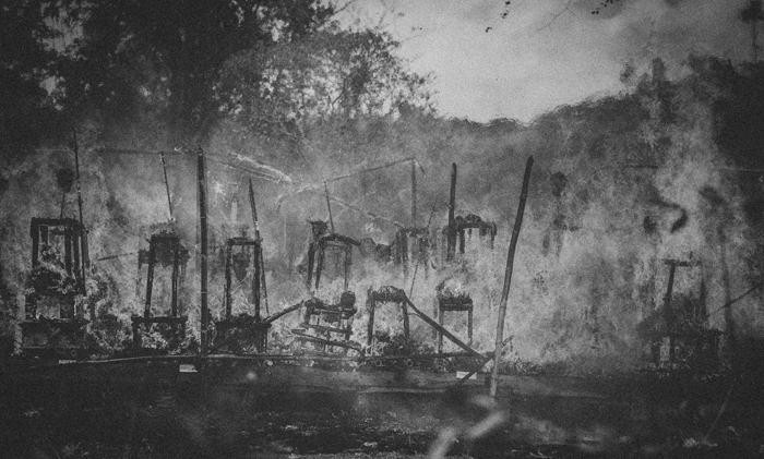 Apel Photography - Street Photography - Journalist Photographers - Bali Masive Cremationan Ceremony - Ngaben di Nusa Penida - Bali Monochrome Photographers (41)