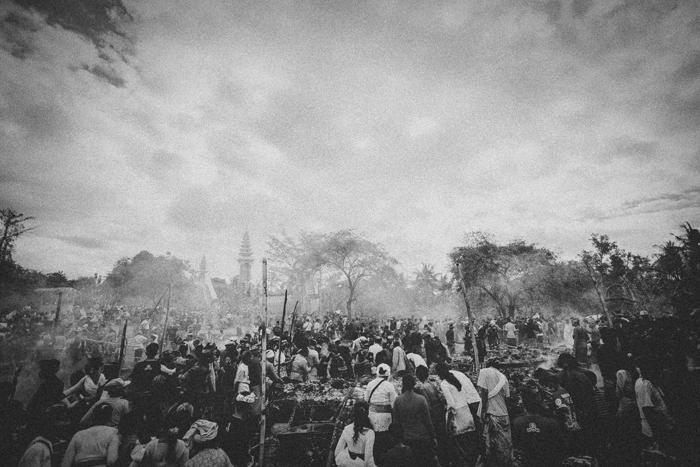 Apel Photography - Street Photography - Journalist Photographers - Bali Masive Cremationan Ceremony - Ngaben di Nusa Penida - Bali Monochrome Photographers (49)