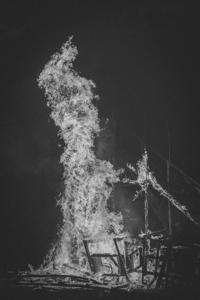 Apel Photography - Street Photography - Journalist Photographers - Bali Masive Cremationan Ceremony - Ngaben di Nusa Penida - Bali Monochrome Photographers (60)